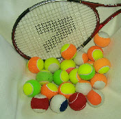 TENNIS BALLS IN MIXED COLOURS