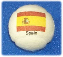 Tennis balls branded  with Spanish flag